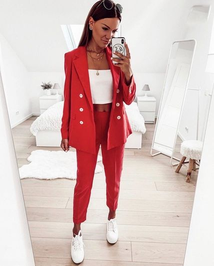 Костюм штаны +пиджак