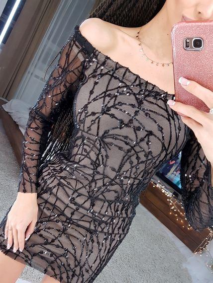 Платье по фигуре из сетки с пайетками
