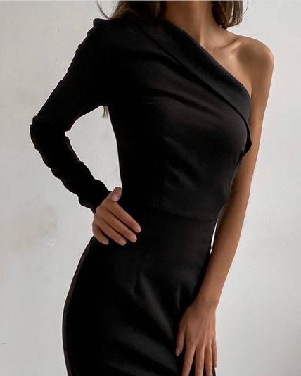 Красивое длинное платье на один рукав