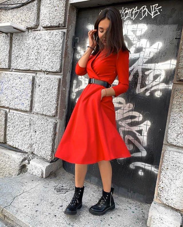 Красивое платье с поясом в комплекте