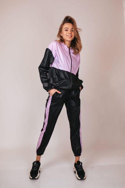 Сиренево-чёрный спортивный костюм