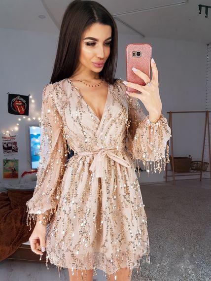 Красивое сеточное платье с пайетками цвет пудра