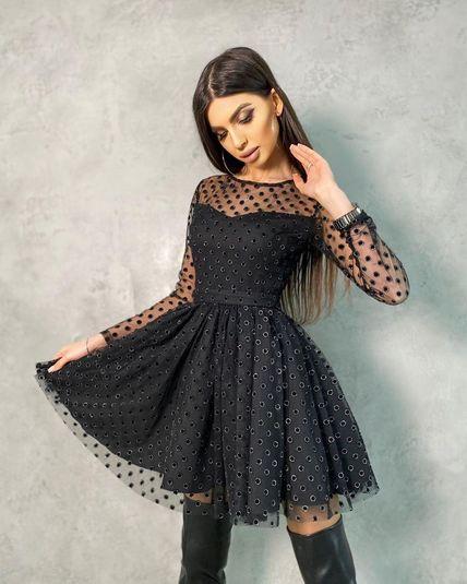 Платье мини в горох с пышной юбкой
