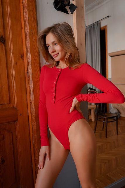 Красный бодик