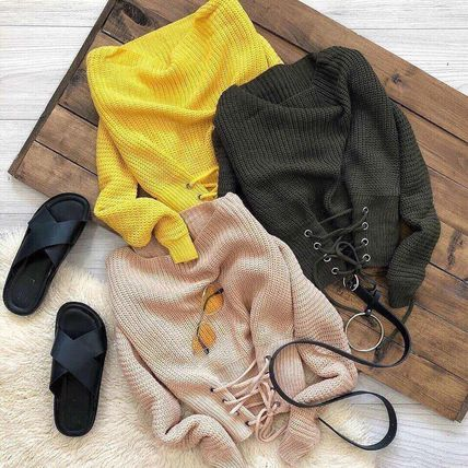 Свитер со шнуровкой