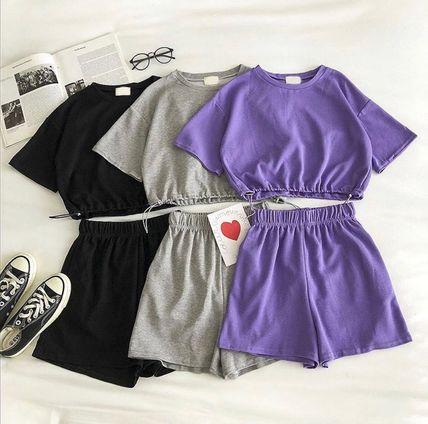 Костюм чёрный серый и фиолетовый